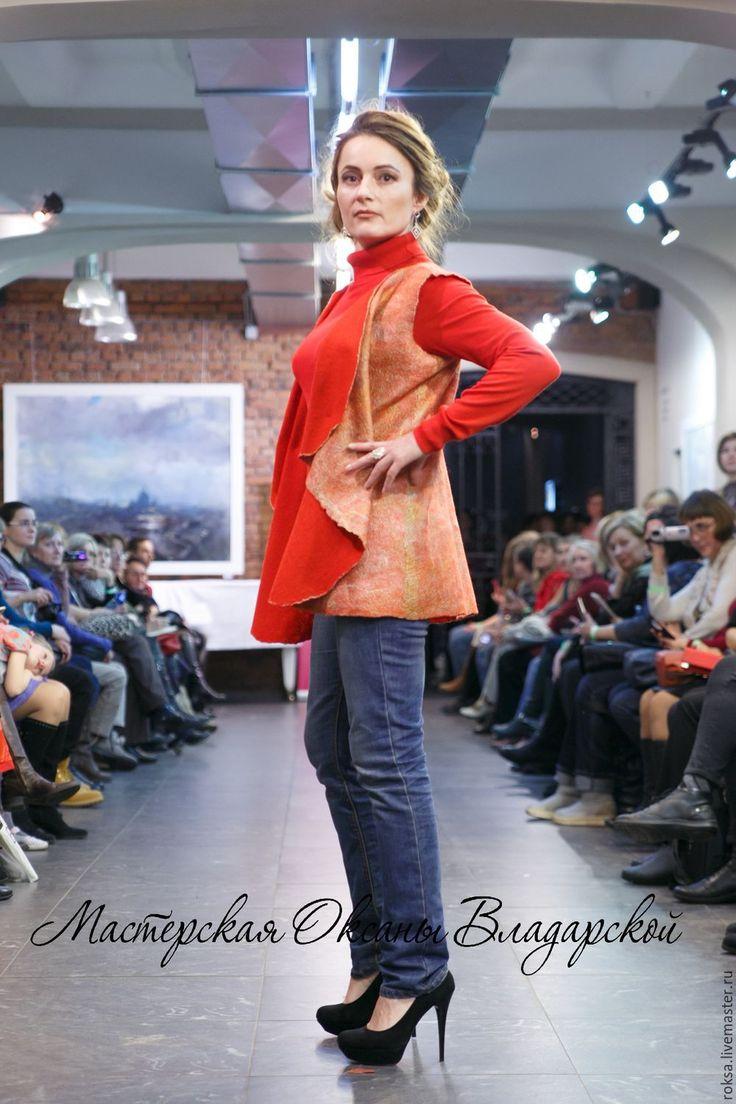 """Купить Женский жилет """"Рябина красная"""" - удлиненный жилет, женская одежда, удлиненный жакет"""
