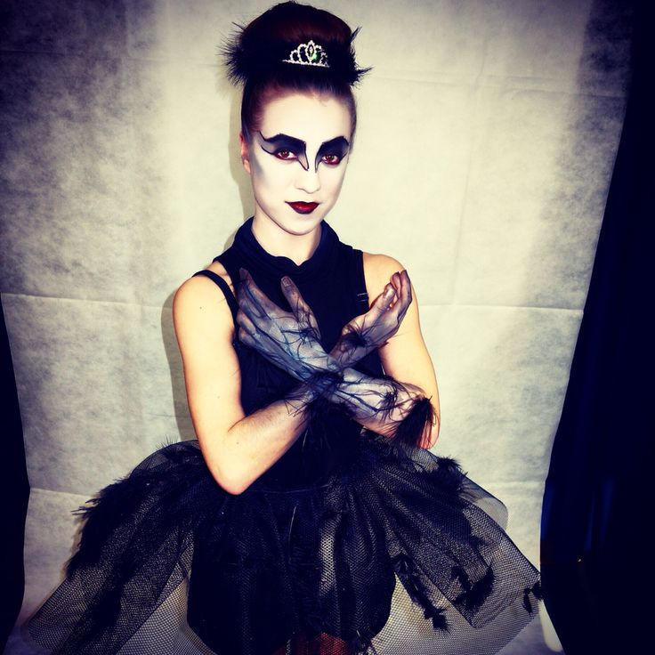 Black Swan and outfit!