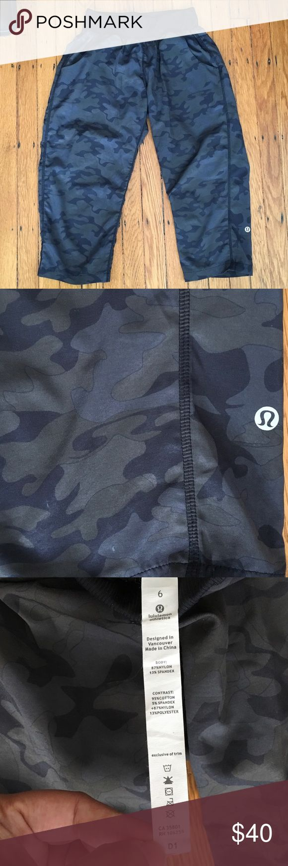 🏃🏼‍♀️ Lululemon Camouflage Crop 6 🏃🏼‍♀️ My daughter wore these pants on a hike while carrying a backpack once so now they have slight piling on the lefthand side.  When wore you can't really see it but when they are off you can see it.  I've never tried to take it off but I'm sure you could.  They are camouflage and have a black waistband and are lined with soft mesh to give you a better performance.  Size 6 and come from a smoke free pet free home. lululemon athletica Pants Ankle…