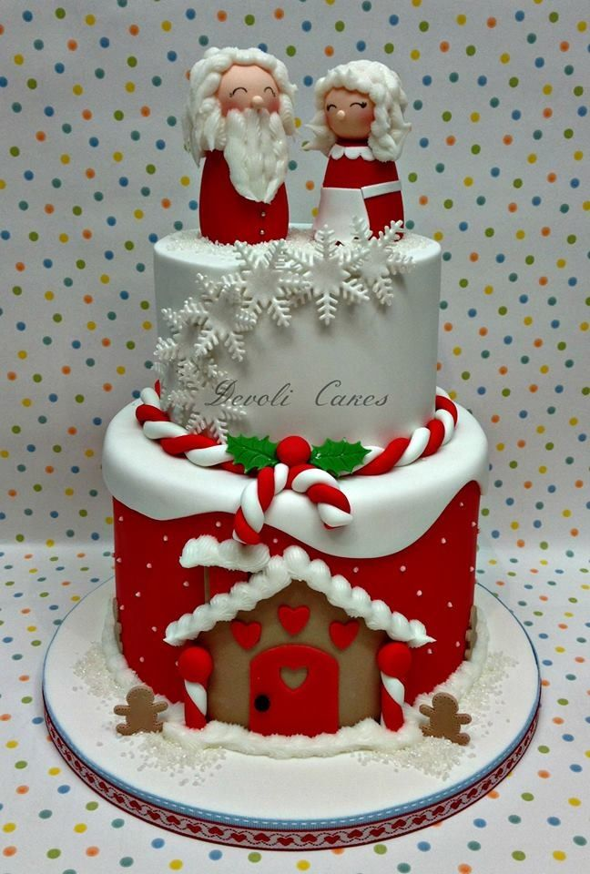 Christmas Santa cake - place toppers close to front edge and cut from back.