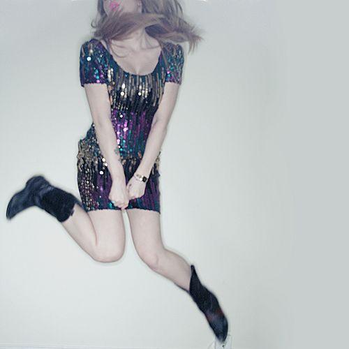 i finally got a nice sequin dress. www.phiary.com/diary/p… | Flickr