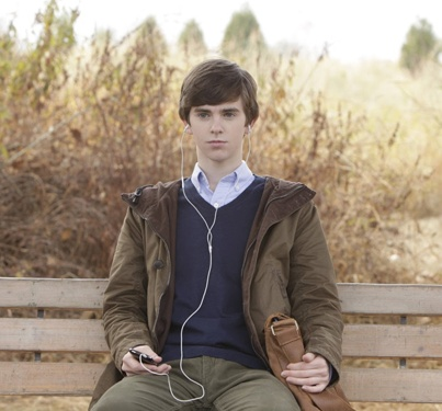 Watch Bates Motel – What's Wrong With Norman Online
