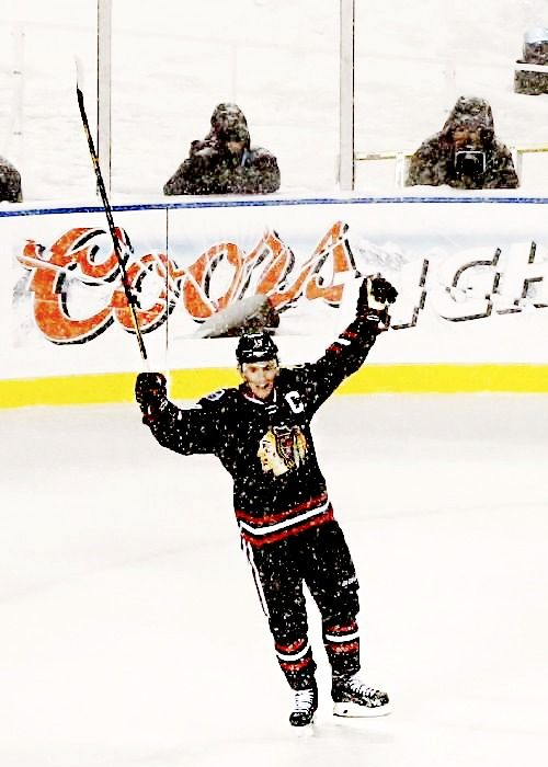Jonathan Toews • Chicago Blackhawks • Soldier Field