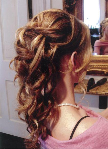 #Wavy- #Curly #cascading #updo/ #hair up by #Ana Belén. Pelo recogido rizado medio suelto. Peinado desenfadado de novia o boda