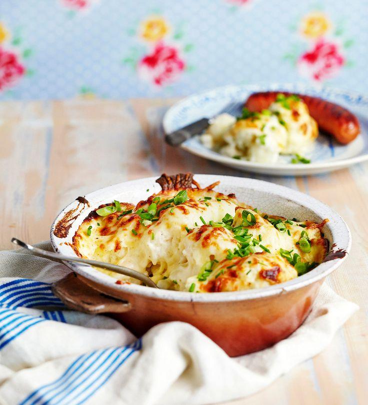 Perinteinen kukkakaaligratiini kuorrutetaan itse tehdyllä juustokastikkeella ja gratinoidaan kauniin ruskeaksi uunissa. Kukkakaaligratiini sopii lisäkkeeksi niin liha- kuin kalaruoille tai kasvisruoaksi sellaisenaan.