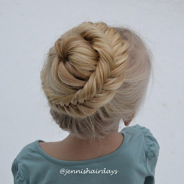 Dutch fishtail starburst bun by Jenni's Hairdays Kalanruoto kukkanuttura