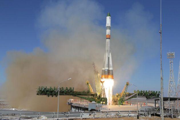 El carguero espacial ruso Progress M-25M se acopla a la Estación Espacial Internacional – RT