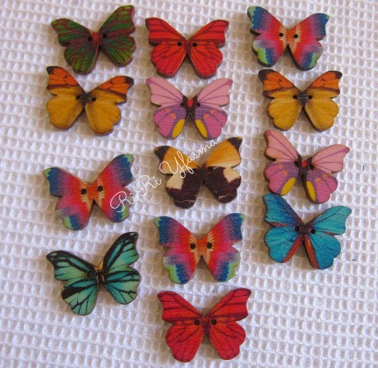 Ξύλινο κουμπί πεταλούδα - RiRi Yfasma (RiRiYfasma.gr)