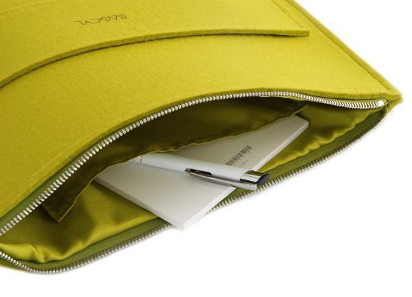 Handmade item. Colour: lime. Materials: felt, silver zipper  width:  33 cm, height: 25 cm  www.bagcyl.com www.facebook.com/bagcyl