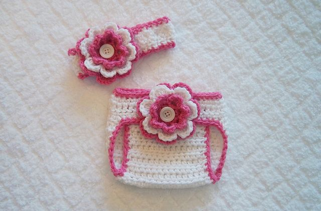 Free Baby Diaper Cover Pattern | Crochet Baby diaper cover and headband set | Flickr - Photo Sharing!