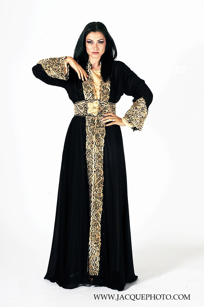 EastEssence is the online shopping store for best quality modest Islamic clothes for men & women. Shop for custom lengths and sizes of fashionable Muslim dresses.