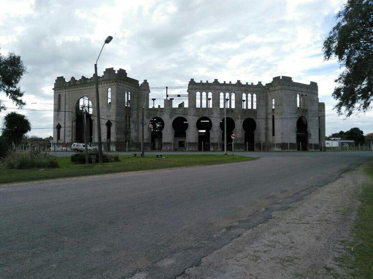 Ruinas de la antigua Plaza de toros Real de San Carlos,Colonia,Uruguay.