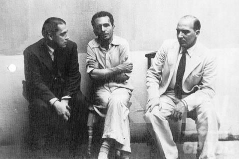 Luis Carlos Prestes (ao centro) preso na Casa de Detenção durante o Estado Novo. Rio de Janeiro (DF), 28 nov 1941.
