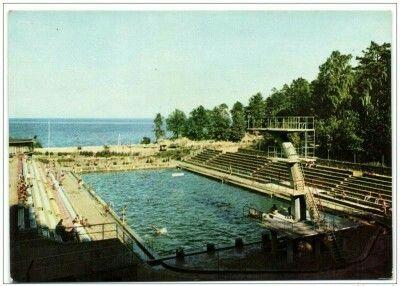 Polanka Redłowska - basen pływacki Fot. K. Kamiński Wyd. Biuro Wydawnicze RUCH 1969