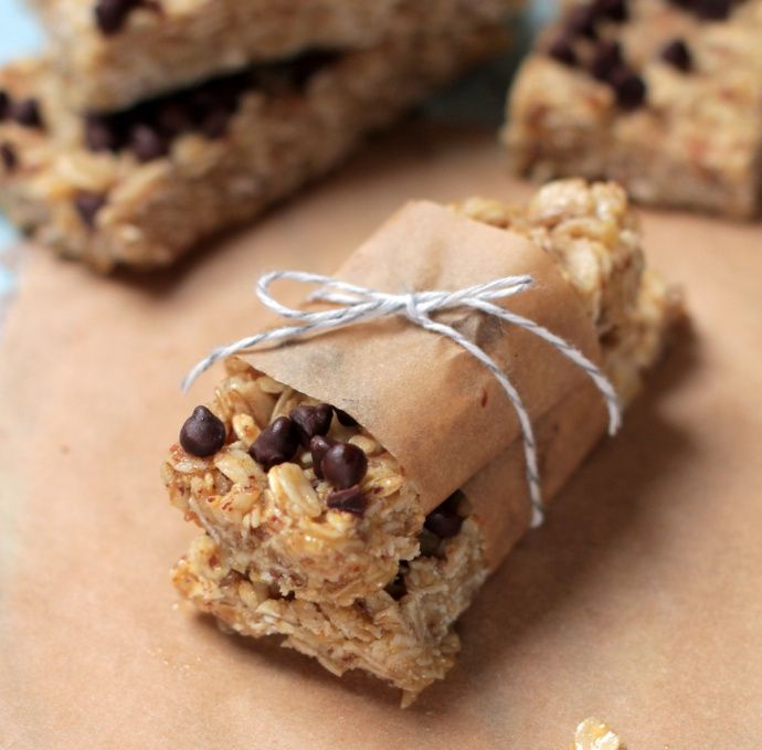 Healthy, Homemade No-Bake Granola Bars | Live Simply (she has some AWESOME healthy, real food recipes!)