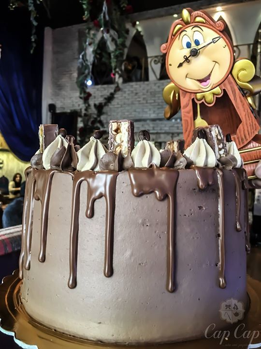 """""""Magic Clock"""" η σοκολάτα και το ρούμι παντρεύονται με το άρωμα του espresso και τη μυστηριώδη γεύση της καραμέλας. #capcapgr #beautyandthebeast"""