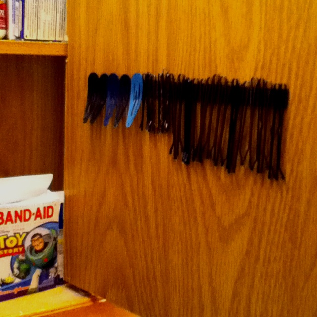 I put a magnetic strip inside the medicine cabinet to help control clips and Bobby pins.: Control Clips, Good Ideas, Strips Bobby Pins Genius, Strips Inside, Helpful Control, Brilliant Magnets Strips, Cabinets Holding, Medicine Cabinets, Magnets Strips Bobby