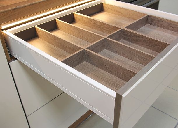 Drewniany wkład na sztućce
