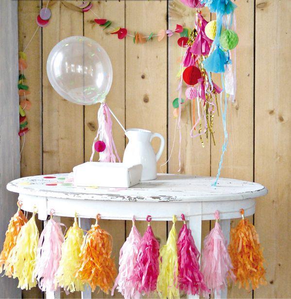 Transparante ballon (zonder confetti) Deze transparante ballonnen zijn gemaakt van natuurlijke latex.   6 ballonnen per verpakking, afmeting 30 cm www.glorioussweets.com