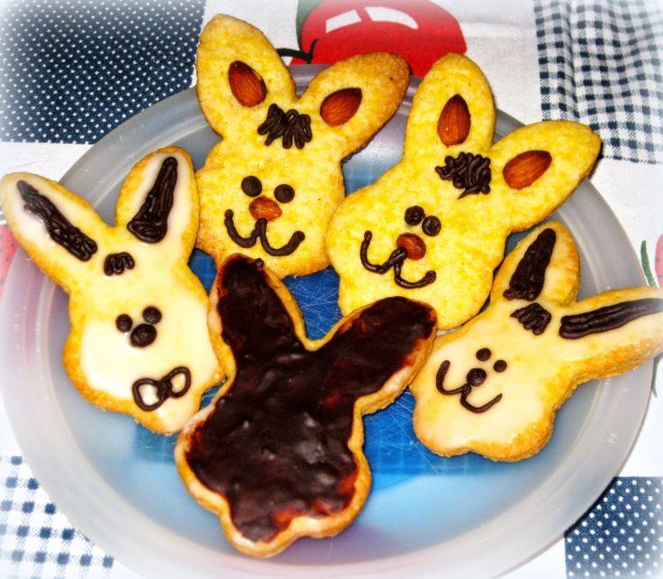 Biscotti decorati con Glassa al Cioccolato