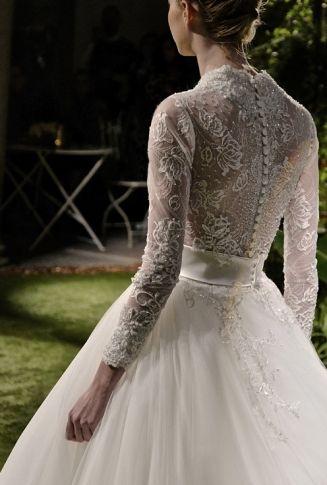 La linea di abiti da sposa Enzo Miccio 2016 è disponibile in Puglia presso lo showroom Esseddi Sposa. http://www.esseddisposa.it/abiti-da-sposa-enzo-miccio/