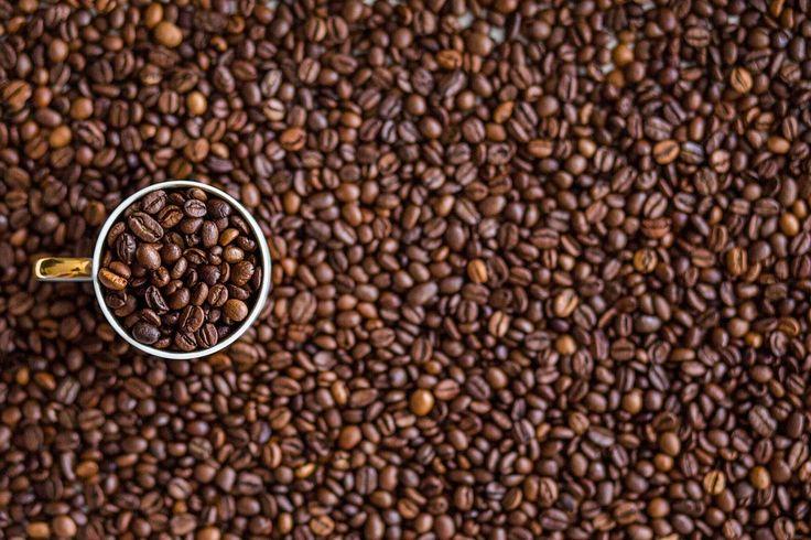 Tento článek je zcela jistě pro příznivce kávy. Je energetickým nápojem, který vás po probuzení dokonale vzpruží. Navíc chrání před mnoha nemocemi.
