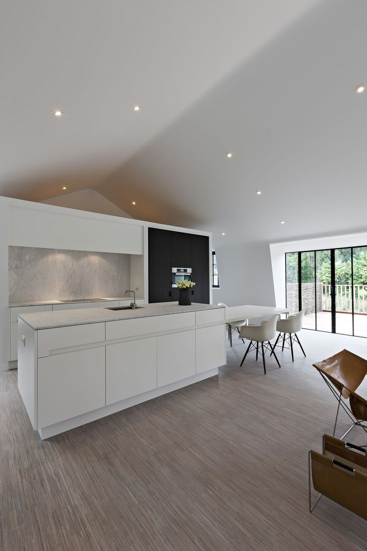 Kitchen by Luxhome