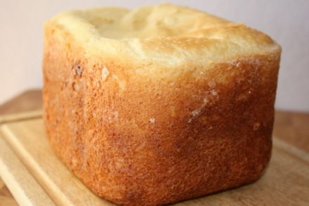 Gluten free bread is easy to make in the bread machine and this recipe shows you how to make a delicious gluten free bread machine bread.