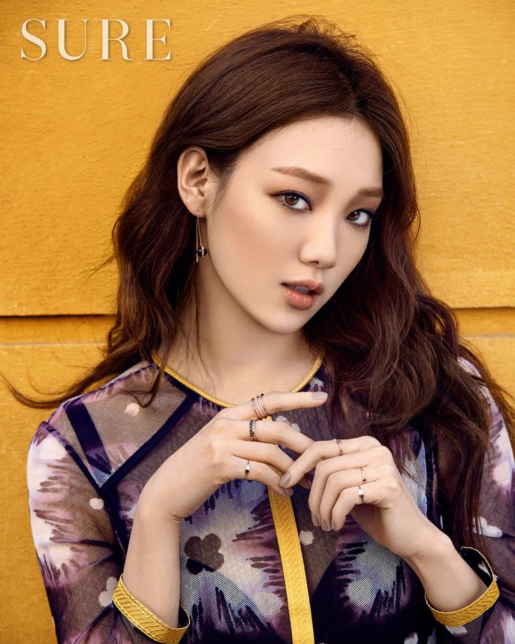 Lee Sung Kyung in Sure April 2016 Look 1