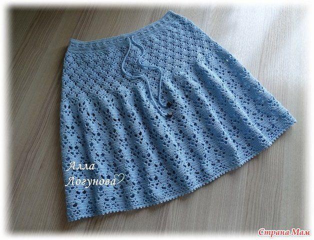 Очень красивая юбка крючком. В мастер-классе показано с чего начинать и раскрыты секреты вязания юбки.