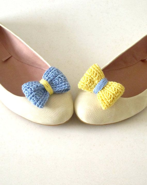 Crochet bow shoe clips. #accessories #fashion