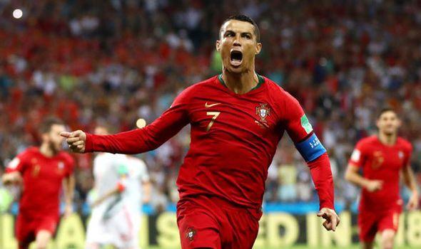 Ronaldo Free Kick Goal Portugal V Spain 2018 Fifa World Cup Russia 9to5animations Com Hd Wallpapers Gifs Backgrounds Images Ronaldo Free Kick Cristiano Ronaldo Ronaldo