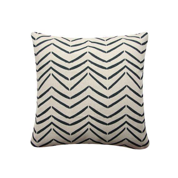 Scandinavian Pillow Covers : Best 25+ Scandinavian Pillows ideas on Pinterest Scandinavian decorative pillows, Scandinavian ...