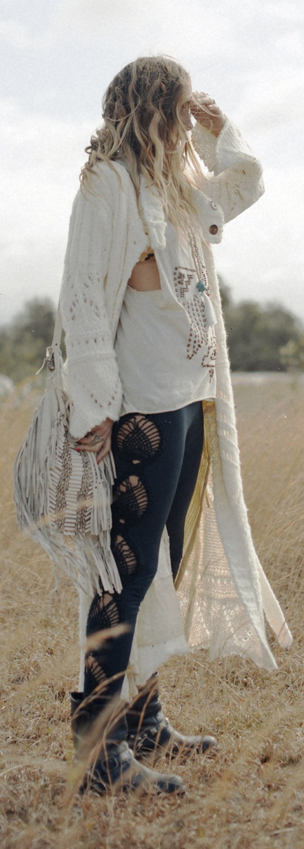 Nightingale Crochet Leggings from Spell Designs http://www.spelldesigns.com/product/nightingale-crochet-leggings/
