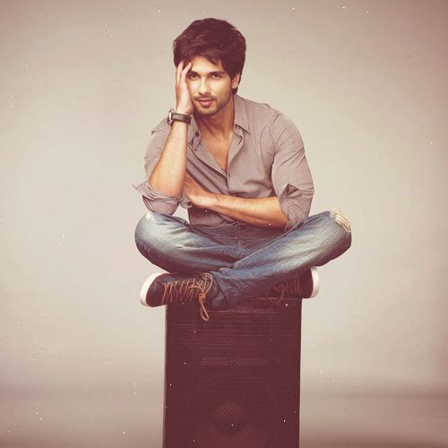 Surround sound. #Shahid #Bollywood