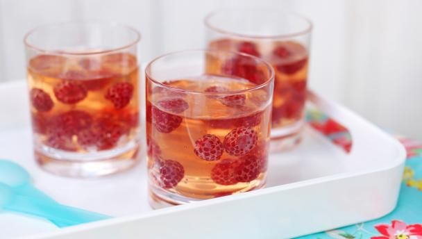 Champagne jelly This light, summery dessert is perfect after a heavy meal. It's a great low fat dessert too.