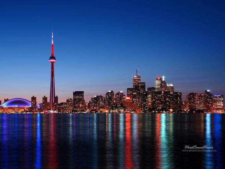 Wow...skyline of Toronto.  What a beautiful city