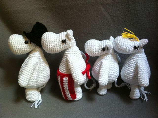 Cute family Moomin. With link to pattern