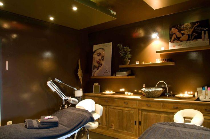 Luxe schoonheidssalon inrichting google zoeken salon ideeen esthetician room salons en - Interieur salon ...