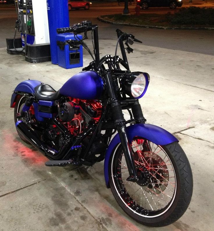 Harley dyna in blue