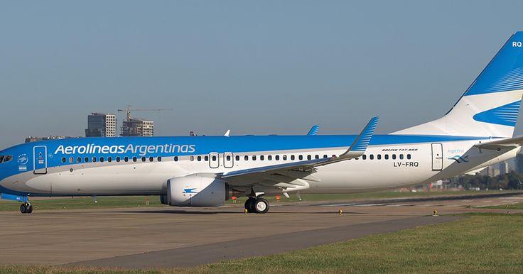 http://ift.tt/2htIiSb http://ift.tt/2iJW6x7  Ante la falta de diálogo del Gobierno las agencias de viajes avanzan en la Justicia.  La Federación Argentina de Asociaciones de Empresas Viajes y Turismo (FAEVyT) avanzó con la medida cautelar ante la justicia para frenar la decisión de Aerolíneas Argentinas que prevé la eliminación de las comisiones del 1% para las agencias de viajes y turismo a partir del 1 de enero del 2017 retribución que se paga en concepto de comercialización. Desde la…