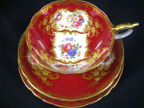 AYNSLEY PARAMOUNT RED FLORAL FANCY GOLD TRIO TEA CUP AND SAUCER: