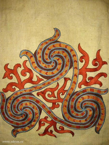 """Absolutely beautiful reconstructions of period embroidery. Use the """"translate"""" button to read:)"""