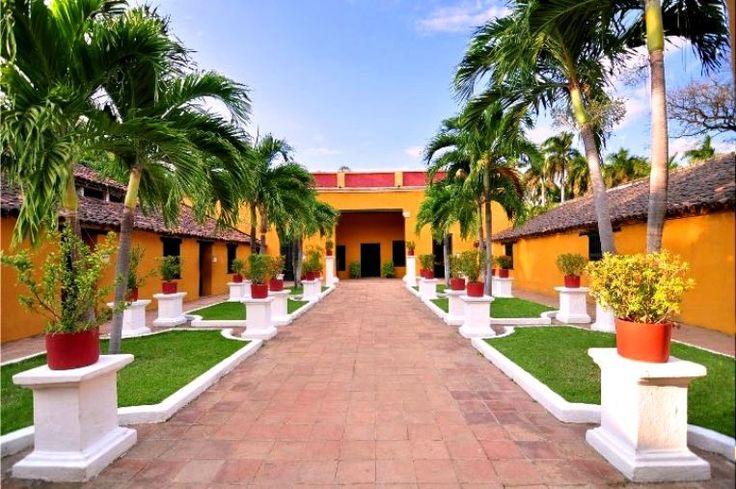 Colombia - Quinta de San Pedro Alejandrino, sitio adonde murió Simón Bolívar, Santa Marta Magdalena.