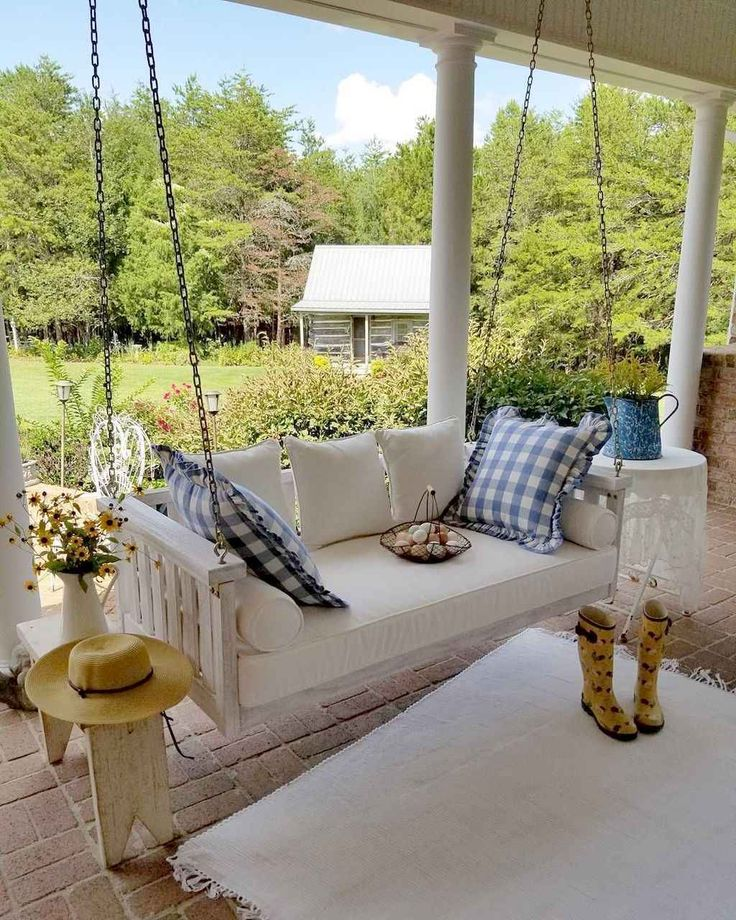 55 Beautiful Farmhouse Front Porch Decorating Ideas