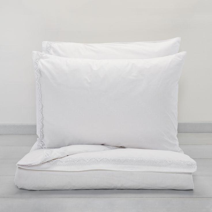 Lefkothea bed linen