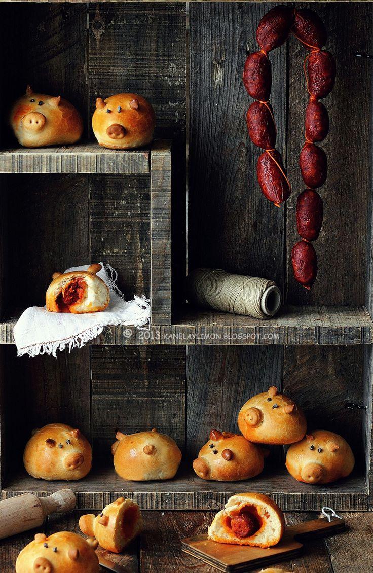 {way too adorable} Chorizo-Stuffed Piggy Buns | Kanela y Limón