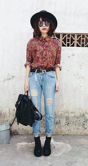 ripped jeans hat shirt
