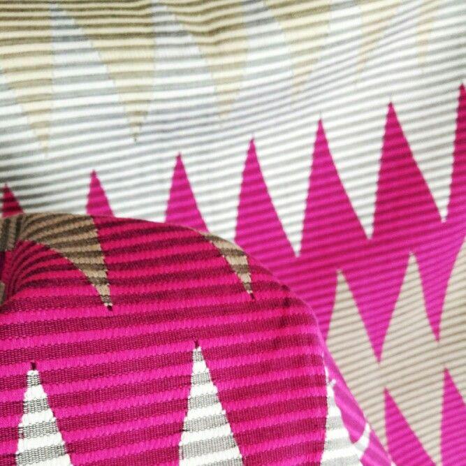 Songket Rangrang Pink Champagne (original, handmade)  Harga: 630,000 Softopening disc. 10% untuk pemesanan melalui Line@ hingga 15 Okt 2015 Ukuran: +- 2 x 1 m  Bisa digunakan untuk kain kebaya atau outwear DIY  Kontak (pilih salah satu): Line@: @gaa2672a whatsapp: 081339870092