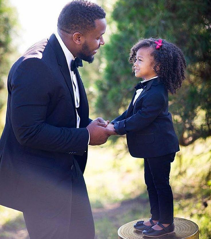 ilovemy4c-hair: officialblackwallstreet: Black Fatherhood. Houston-based photographer @Drephoto3 daughter. // @Keandrabeckphotography My heart.